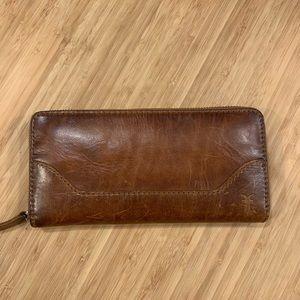 FRYE NWT Melissa long zip wallet